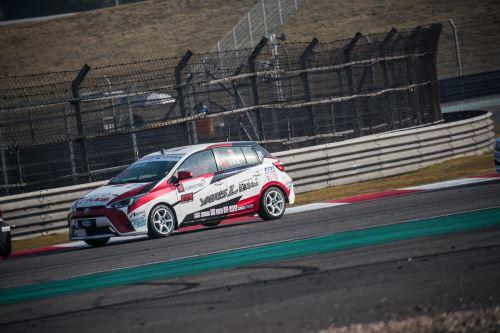 刘洋荣获2017 CTCC中国杯车手年度总冠军