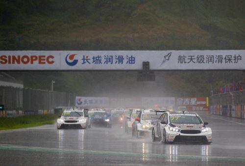 CTCC宁波超级杯周日:丰塔纳Pole To Win